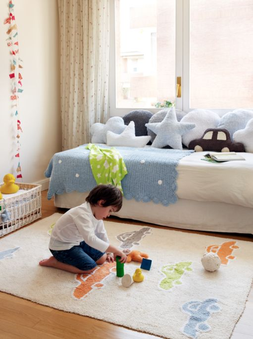 His favourite room│Kids room│Washable rugs│Eco-friendly│Home Deco│#washablerugs #lorenacanals #cars. Find more at: http://lorenacanals.com/
