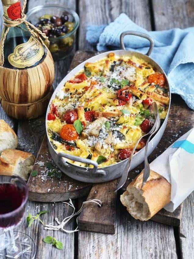 I den här gratängen kan du använda skålformad pasta, pastarör eller överblivna pastaslattar.