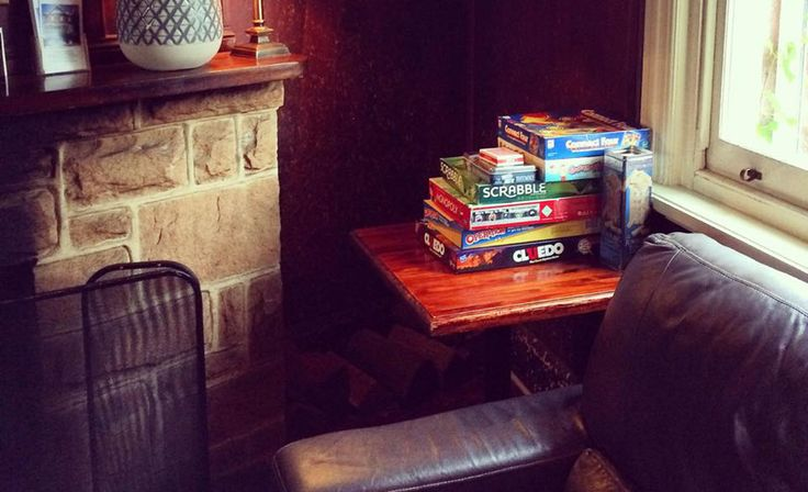 Bars with board games