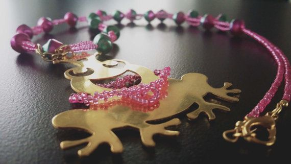 Pink Handamade Beaded  Necklace with gold plated Frog by BYTWINS, €38.00