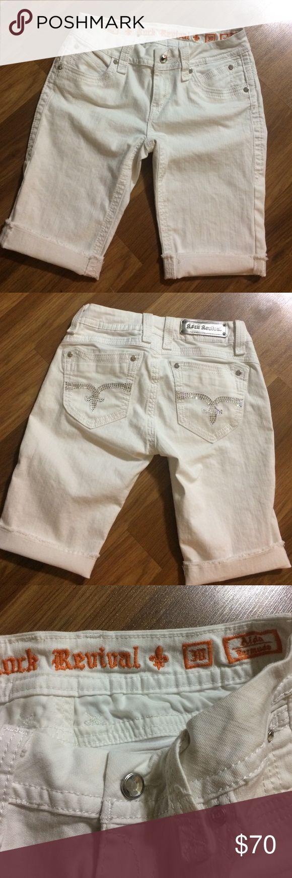 """Rock Revival Aida Bermuda shorts Nice Cuffed pants,size 30,inseam 11"""" Rock Revival Shorts Bermudas"""