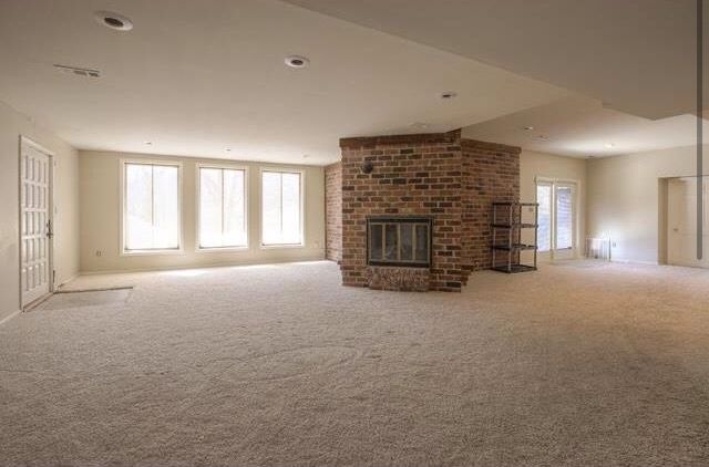 Basement cool houses pinterest basements for Houses in houston with basements