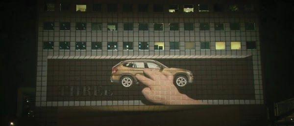 Uma ação muito parecida com aquele clip do AC/DC . Feita com projetores na parede de um prédio, a ação feita pela Agência Publicis de Singa...