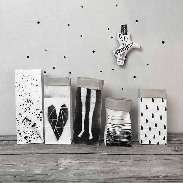 Legs+-+paper+bags+the+smallest+XXS+29+cm+from+ThatWay+by+DaWanda.com