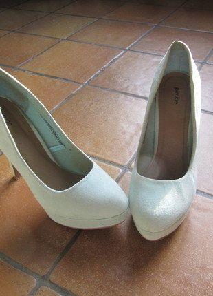 À vendre sur #vintedfrance ! http://www.vinted.fr/chaussures-femmes/escarpins-and-talons/26688676-chaussure-a-talon-turquoise-pimkie-38