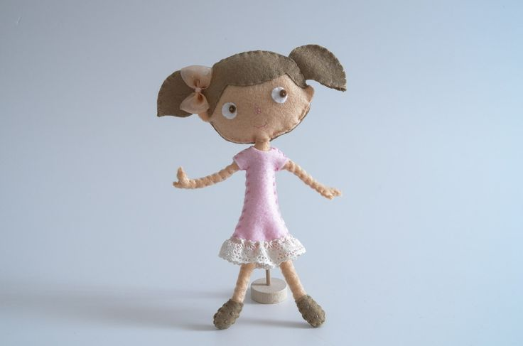 Pretty girl buy at #Broilly #KinkinPuppetsStore #handmade #handcrafted #marketplace #onlineshop #craft