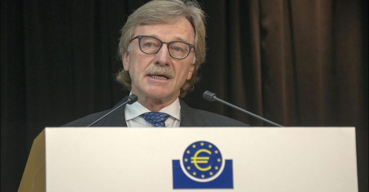 """Yves Mersch ist bei der EZB für Bargeld zuständig. Als diese beschloss, die 500-Euro-Scheine abzuschaffen, stemmte er sich dagegen - vergeblich. Später erklärt er in einem kritischen Kommentar: Es gibt ein """"Anti-Bargeld-Kartell"""" – mit """"Alchemisten""""."""