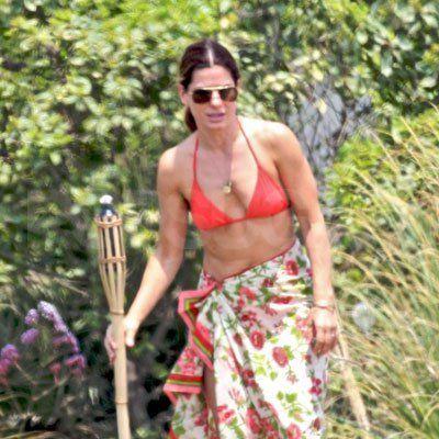 Sandra-Bullock-Bikini.jpg (400×400)