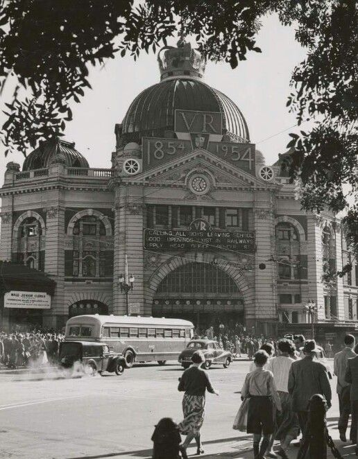 Flinders street railway station, Melbourne, Victoria Australia 1950's
