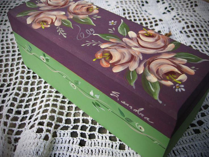 Caja de Te #te #vintage #flores #pintadoamano #arte #casabonitaleon #HechoenMexico #decoracion #adornos #hechoamano #Handpainted #Handcrafted #painting #decor #ornaments #art #MadeinMexico  Tienda: http://bit.ly/casabonitaleon