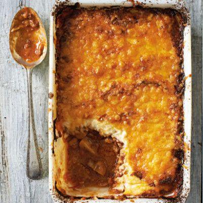 Taste Mag | Beef and cauli mash shepherds pie @ http://taste.co.za/recipes/beef-and-cauli-mash-shepherds-pie/