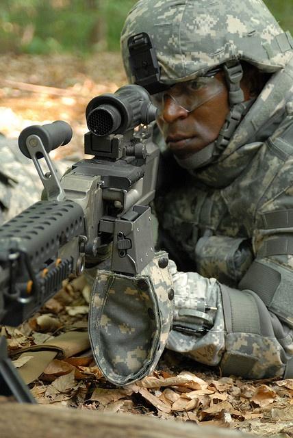 M240L Medium Machine Gun (Light) by PEOSoldier, via Flickr