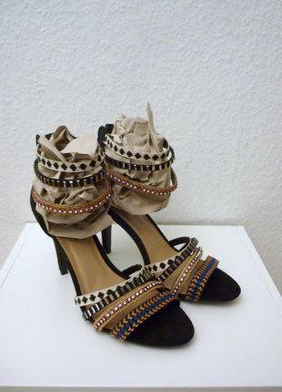 À vendre sur #vintedfrance ! http://www.vinted.fr/chaussures-femmes/escarpins-and-talons/26727062-neuves-sandales-a-talons-brides-lanieres-escarpins-spartiates-ethnique-chic