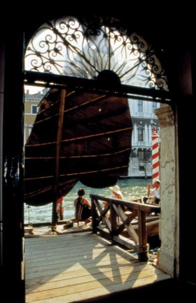 Bringing to Venice What Marco Polo Forgot TransCulture: 46th Venice Biennale 1995 Collection of the 46th Venice Biennale Museo Navale di Venezia (fishing boat), private collections (other components) Art Type:  Installation Dimensions: Boat: 700 x 950 x 180 cm Medium:  Installation incorporating wooden fishing boat from Quanzhou, Chinese herbs, ginseng (100 kg)