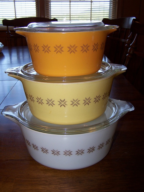 Pyrex Town and Country Casseroles. Have the 473, white. Need the 472, 471.
