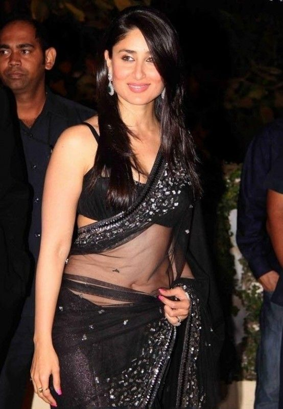 Kareena Kapoor looks damn gorgeous in transparent black saree... #kareenakapoor #bebo #celebrities #bollywood