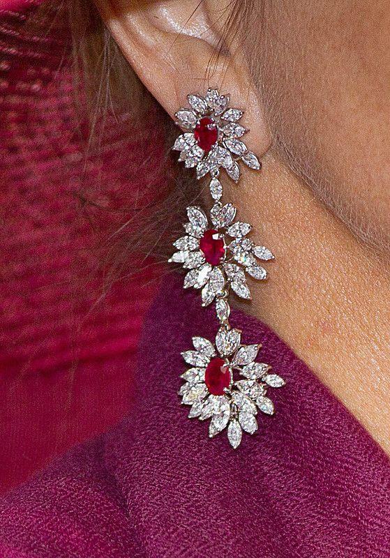 boucles en rubis et diamants