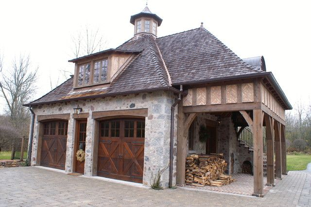 Best 25 carriage house garage ideas on pinterest for Carriage house shed