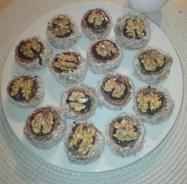 Ořechové mini dortíčky