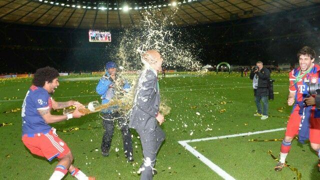FC Bayern München DFB Pokal Finale 2014 Pep Guardiola and Dante