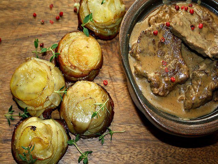 Ruokasurffausta: Juhlava konjakki-pippuri-naudanlihapata ja kevyemmät valkosipuliperunat muffinssipellillä | Suvun paras resepti