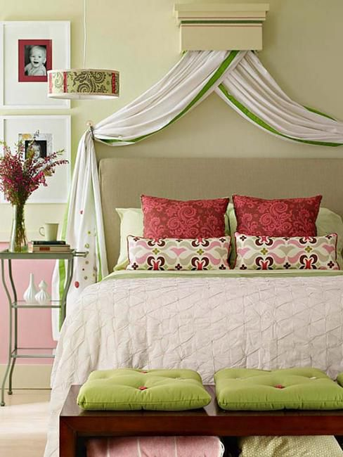 Best 22 Small Bedroom Designs Home Staging Tips To Maximize 400 x 300