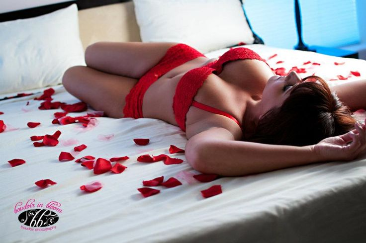 """""""We are all born sexual creatures,thank God, but it's a pity so many people despise and crush this natural gift.""""  ― Marilyn Monroe http://www.boudoirinbloom.com/"""