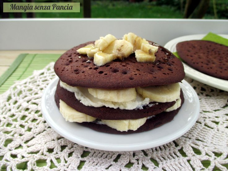 Tortina di pancakes al cacao