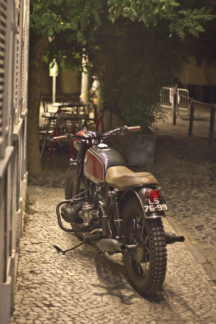 the last BMW R75/5 by Ton'UP Garage from Porto .../LeJoZ