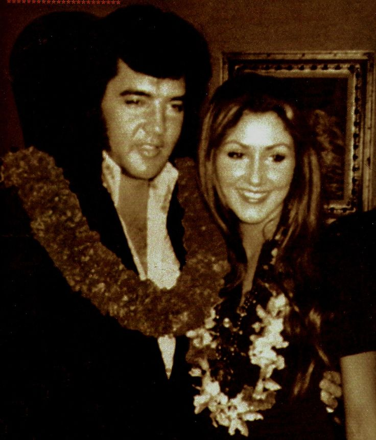 From July 1972 to November 1976, Thompson had a relationship with the Elvis Presley (Elvis and Linda in Hawaii Nov. 1973).