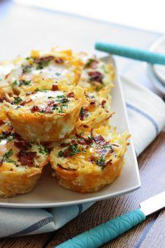 Un déjeuner formidable...Nid de pommes de terre hachées, oeuf et bacon - Recettes - Ma Fourchette