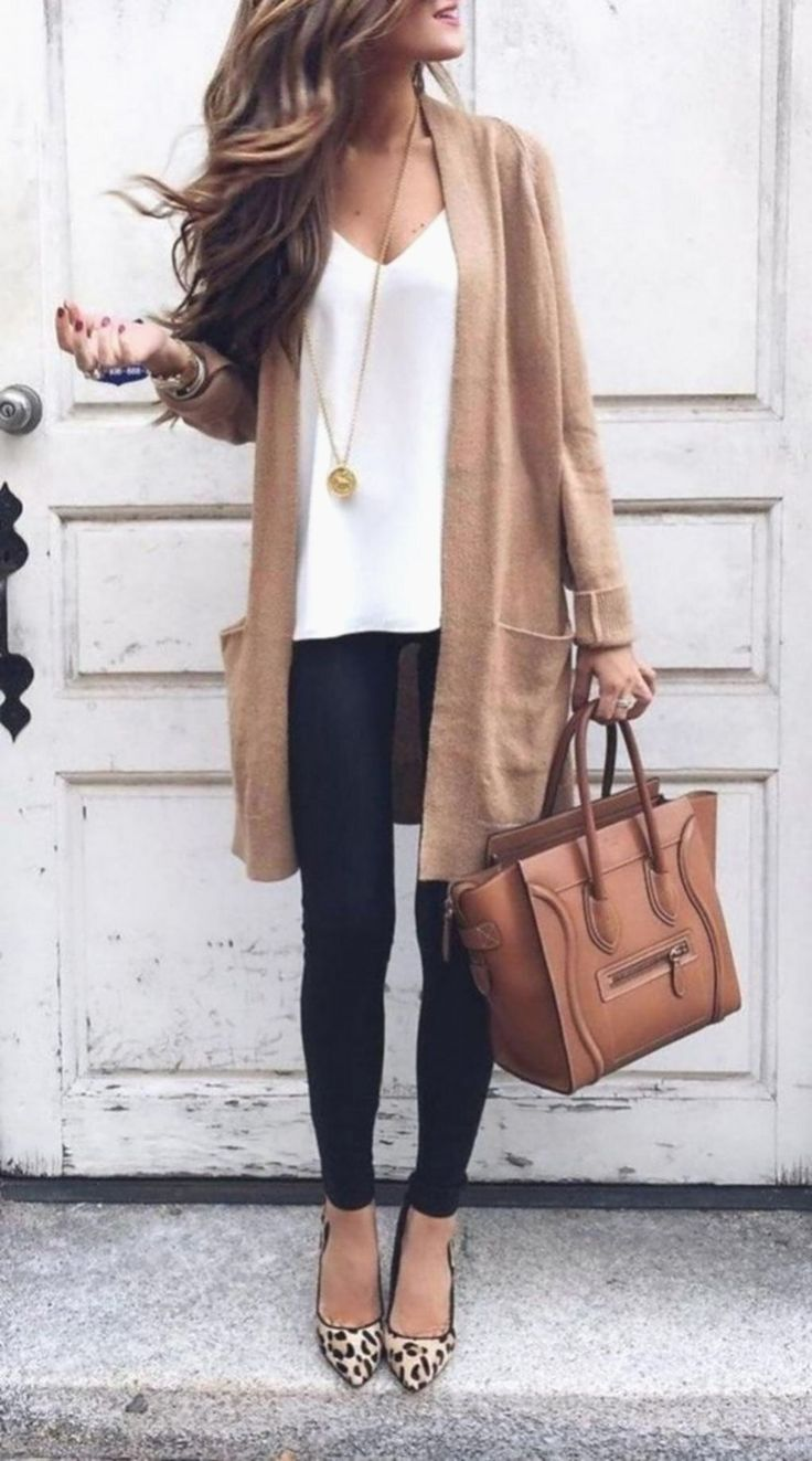 Perfekte sommer-business casual outfits für frauen. in