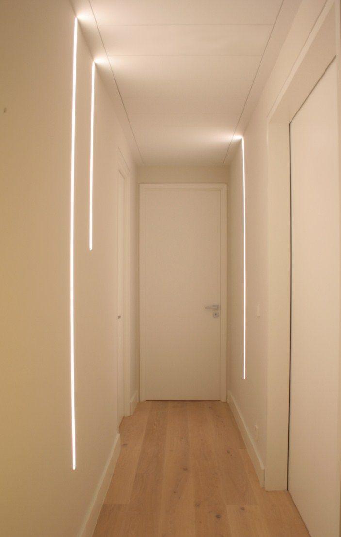 Villa Marbella La Cerquilla - Illusion: perfiles LED empotrados en pared.