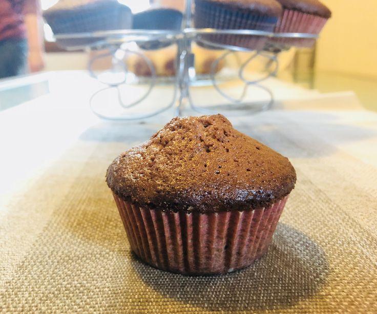 Muffin con farina macinata a pietra, zucchero di cocco e gocce di cioccolato fondente. Seguite il link al mio sito