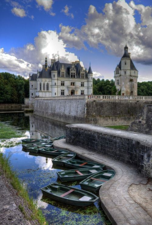 travelandseetheworld:  Chenonceau Castle and Boats, region of Indre-et-Loire in, Loire valley, France