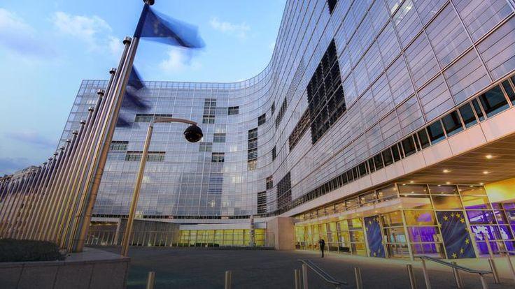 Tym razem nie było pozwu skierowanego do Trybunału Sprawiedliwości, ale jeśli w ciągu dwóch miesięcy Polska nie wyjaśni dwóch spraw o których dziś Komisja jej przypomniała, mogą się one się zakończyć w Trybunale w Luksemburgu. Komisja wysłała dziś drugie upomnienie do Polski apelując o pełne wdrożenie dyrektywy dotyczącej wzmocnienia współpracy administracyjnej między unijnymi krajami co ma pomóc w walce z o oszustwami podatkowymi. Termin na wdrożenie tych.....