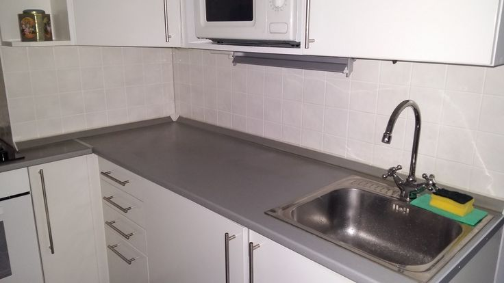 Kollár Judit konyhapultjának felújításánál a fólia 2.190Ft került.