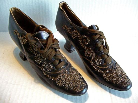 beaded Victorian shoe with Louis heel