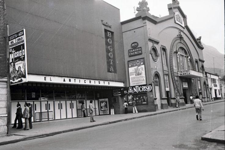 [Teatros Bogotá y Faenza] / Manuel H / c.a. 1975 / Colección Museo de Bogotá: MdB 12151 / Todos los derechos reservados
