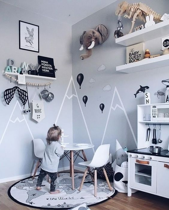 A cute kid's room by @erika_bader, OYOY World rug available at www.istome.co.uk