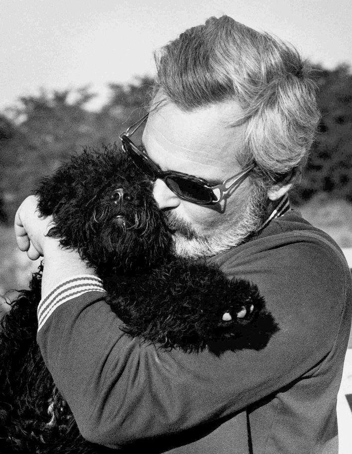 Latinovits Zoltán Bagó kutyával az Öreg című film forgatásakor