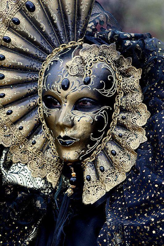 Masque Vénitien bleu nuit et or