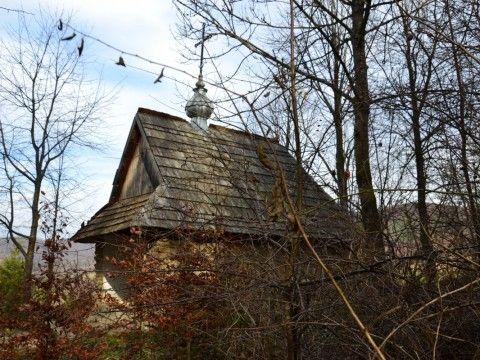 Kapliczka na Przełęczy Hyrcza.
