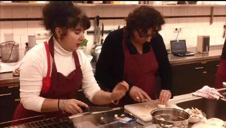 De traditionele Russische keuken. U kunt deelnemen aan een cursus op 04/12/13 of 07/05/14. Daarnaast bieden wij ook de cursus 'de Russische thee tradities.'