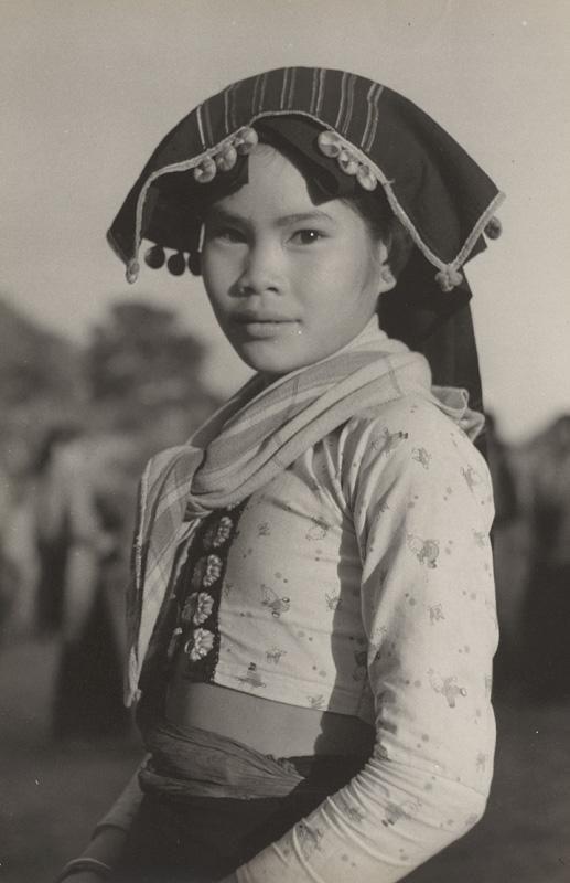 Ján Cifra - Vietnam - portréty. Dievčatko z menšinovej národnosti II.