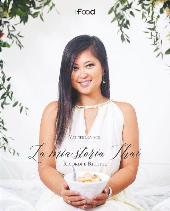 I primi 50 ordini, riceveranno la copia autografata dall'autrice.Una food blogger, A Thai Pianist, un avvocato, una mamma e una moglie, di nascita thailandese, bergamasca di adozione.Una storia a lieto fine che descrive la fatica di crescere, quando il...