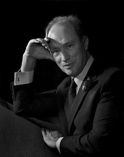 a biography of pierre elliot trudeau the prime minister of canada The latest tweets from pierre trudeau (@pmtrudeau) 15th prime minister of  canada professor lifelong student father / 15ième premier minstre du canada  professeur  pierre elliott trudeau    if i recall correctly, in  my post-wwii us/canadian history class, richard nixon hated justin trudeau's  dad.