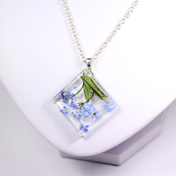 square blue necklace resin jewelry forget me not flower terrarium necklace geometrical real flower necklace gift for her carré bleu Рю38