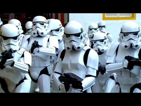 """Stormtroopers sing """"Let It Go"""" from Frozen plus other songs at Star Wars Weekends 2014 - YouTube"""