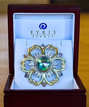 The New Zealand Blue Pearl Brooch   Monarchy New Zealand shared via Twitter  a personal gift given by New Zealand Prime Minister John Key ...